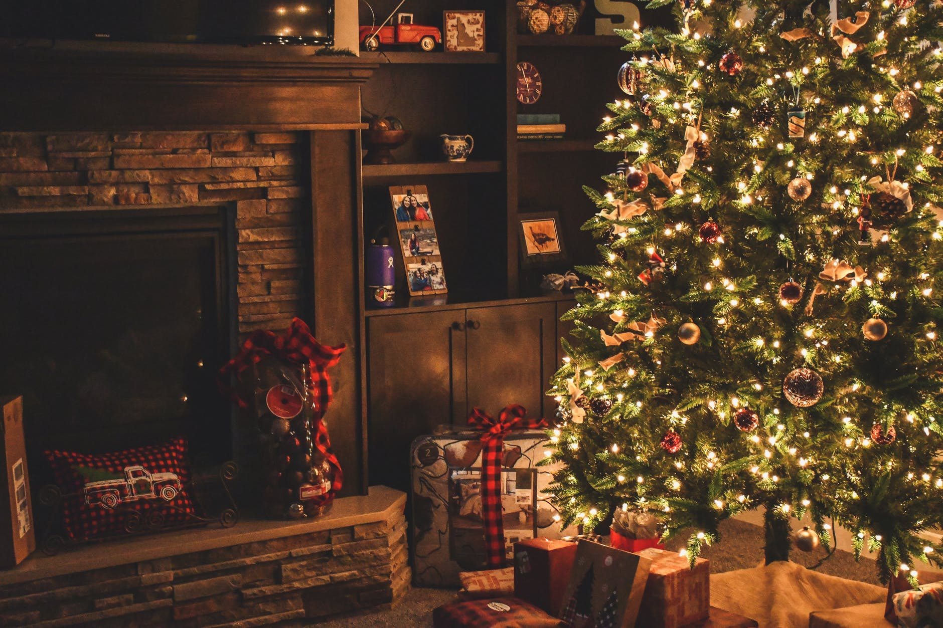 awesome themed christmas trees decorate home