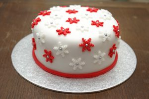 Awesome Christmas Cake Decorating Ideas - Delicious & Designer Cakes