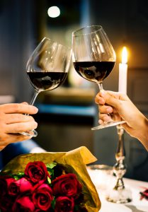 Perfect Anniversary Gift Ideas To Surprise Your Husband