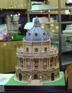 Bodleian Library Cake Sculpture by sally_monster